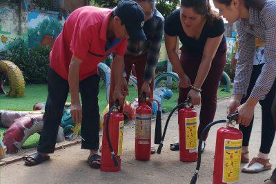 Tổ chức tập huấn phòng cháy chữa cháy.